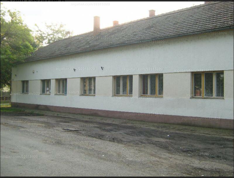 Földeák, Szent László tér 6.