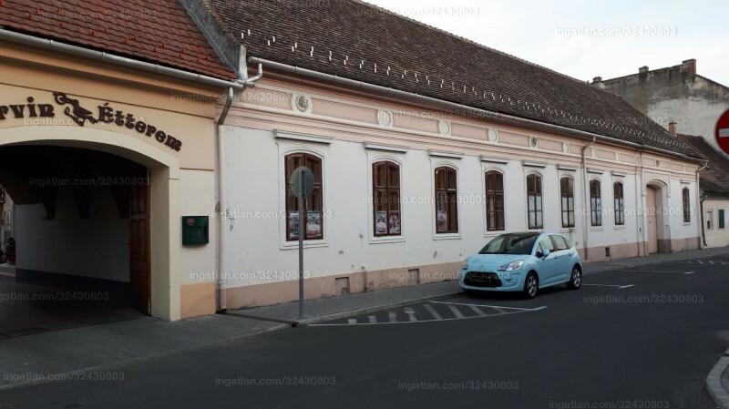 Pápa, Korvin utca