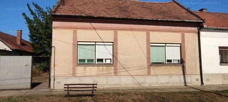 Elek, Kossuth Lajos utca