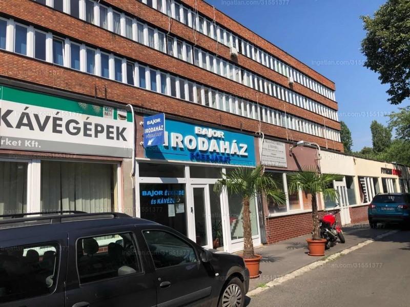 X. kerület, Szent László tér 20.
