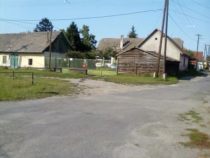 Ingatlan, eladó ház, Dunavecse, Petőfi utca, 100 m2